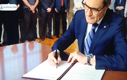 Artur Mas ha firmado oficialmente el decreto ley del referéndum para la fractura de España, día triste de España