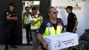 agentes de policía durante la operación Edu Costa de este mediodía