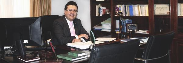 El juez de familia Francisco Serrano encabezará la lista de elecciones autonómicas de VOX por Sevilla