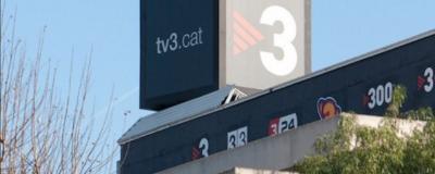 TV3 humilla al resto de catalanes y España quemando la Constitución Española