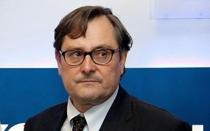 """El director de 'La Razón' exige a Rajoy """"firmeza"""" y que """"suspenda la autonomía de Cataluña con la contundencia de CE"""""""
