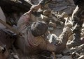 La cifra de muertos sobrepasa los 3.800 mientras los supervivientes huyen de Katmandú, Nepal