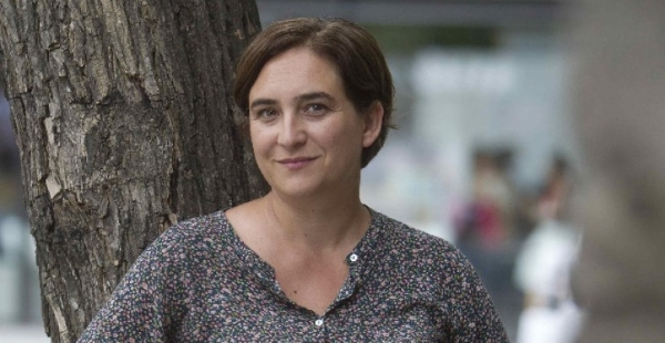 Ada Colau quiere revisar la ampliación de La Maquinista y el contrato de Telefónica