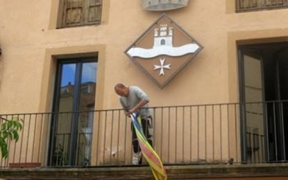 """Ultimátum a algunos ayuntamientos separatistas para que retiren hoy el símbolo separatista, """"Estrellada"""""""