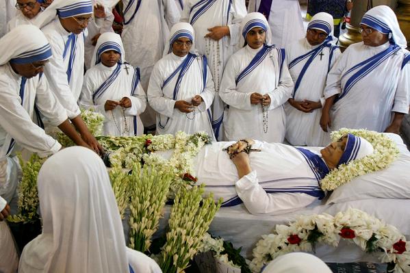 Muere la hermana, Nirmala Joshi, sucesora de la hermana Teresa de Calcuta a los 81 años