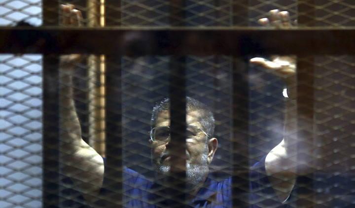 Pena de muerte para el expresidente egipcio Mohamed Morsi por huir de una cárcel