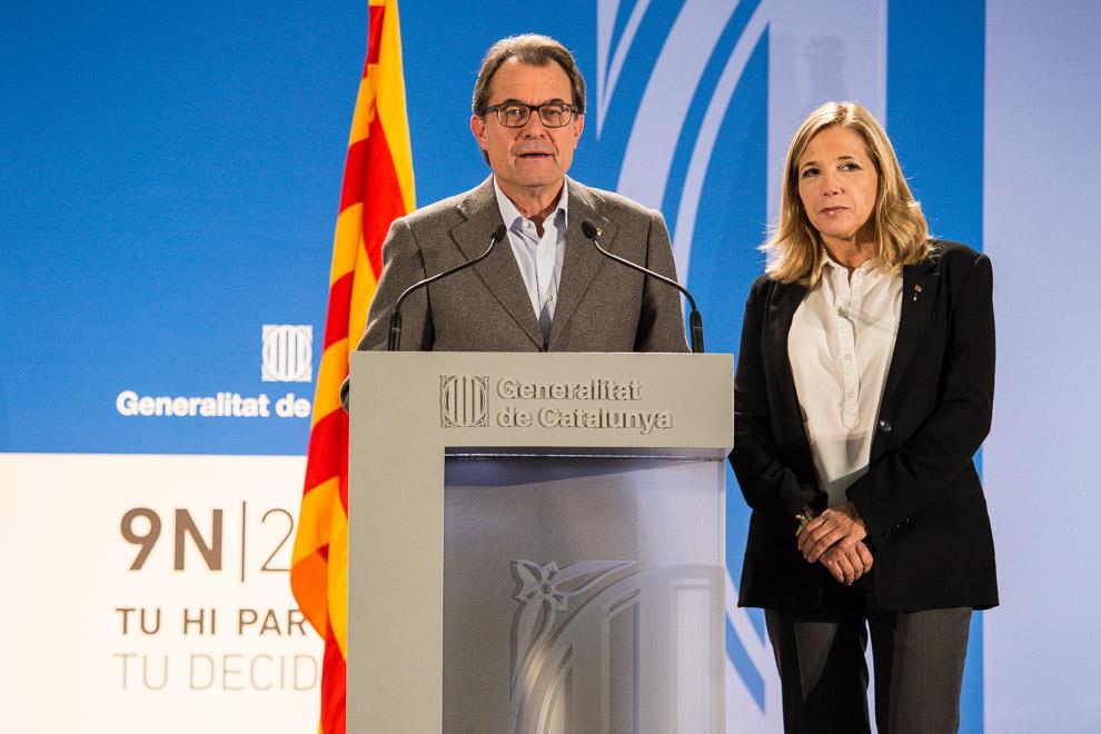 La vicepresidenta del gobierno separatista catalán, Ortega, deja la política tras abandonar el gobierno de Artur Mas