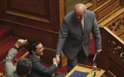 Grecia da el mandato a la coalición patriota del Gobierno de Tsipras y Derechistas griegos de ANEL para negociar con la Troika