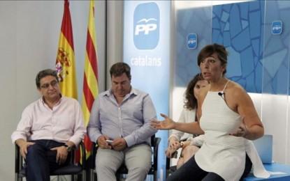 """Sánchez Camacho (PP) pide a Artur Mas """"respetar"""" al Rey y """"no vulnerar una elecciones"""" del 27S"""