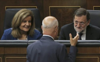 """Rajoy califica de """"maniobra de confusión"""" la lista conjunta separatista de Mas, ERC, ANC y Ómnium"""