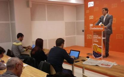 """Albert Rivera: """"Por primera vez en 35 años podría haber un partido de centro que ganase a PP y PSOE"""""""