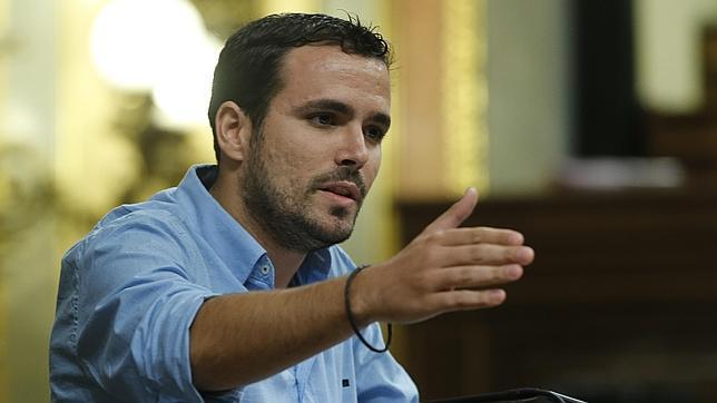 Injusticia en España: Ada Colau 927.940 votos=12 escaños y Garzón 923.133=2 escaños al 20D