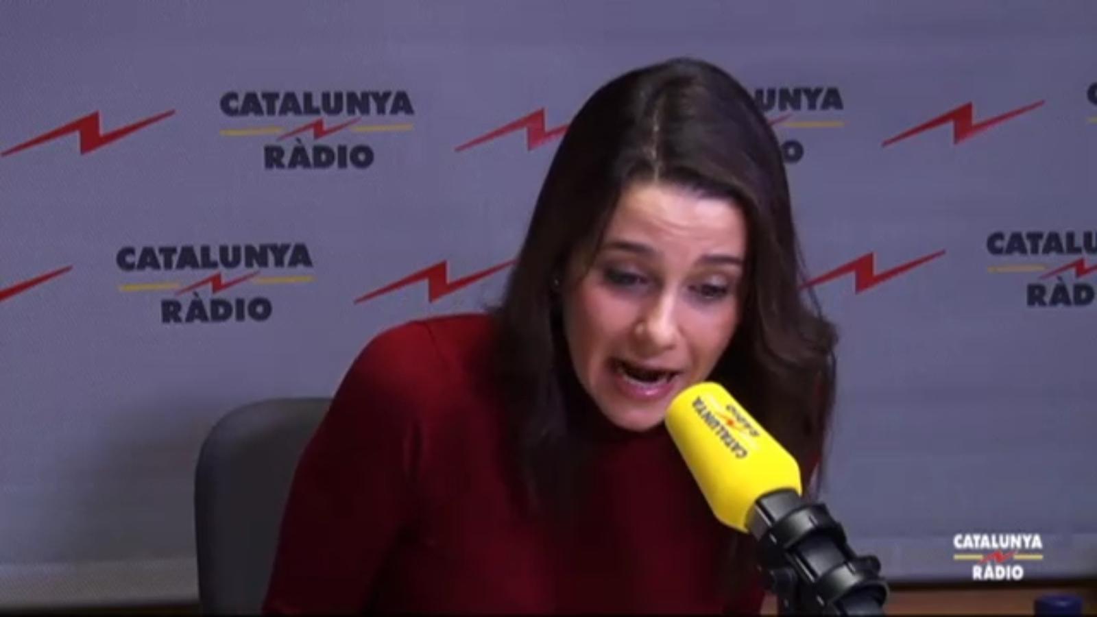 """Arrimadas (26/11/2015): """"C's no apoyará Rajoy""""; (30/12/2015): """"C's apoyará Rajoy, me duele"""""""