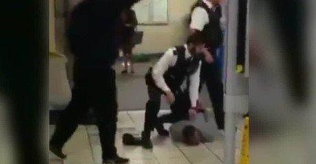 """Vídeo: 3 heridos en ataque terrorista yihadista con cuchillo en Londres: """"Esto es por ir a Siria"""""""