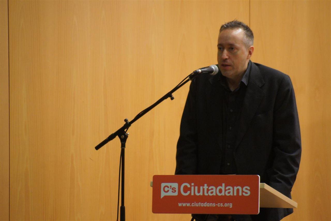 """C's replica Colau vinculante Podemos con ETA: """"Están colegidos con amigos de los terroristas"""""""