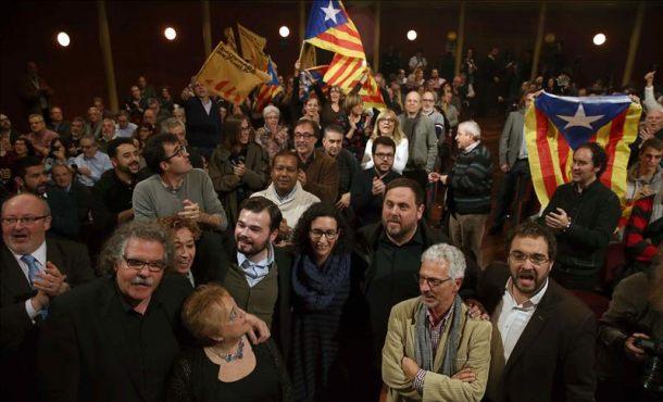 """El separatista Rufián avisa Podemos que la tercera república es catalana """"y hay que defenderla"""""""