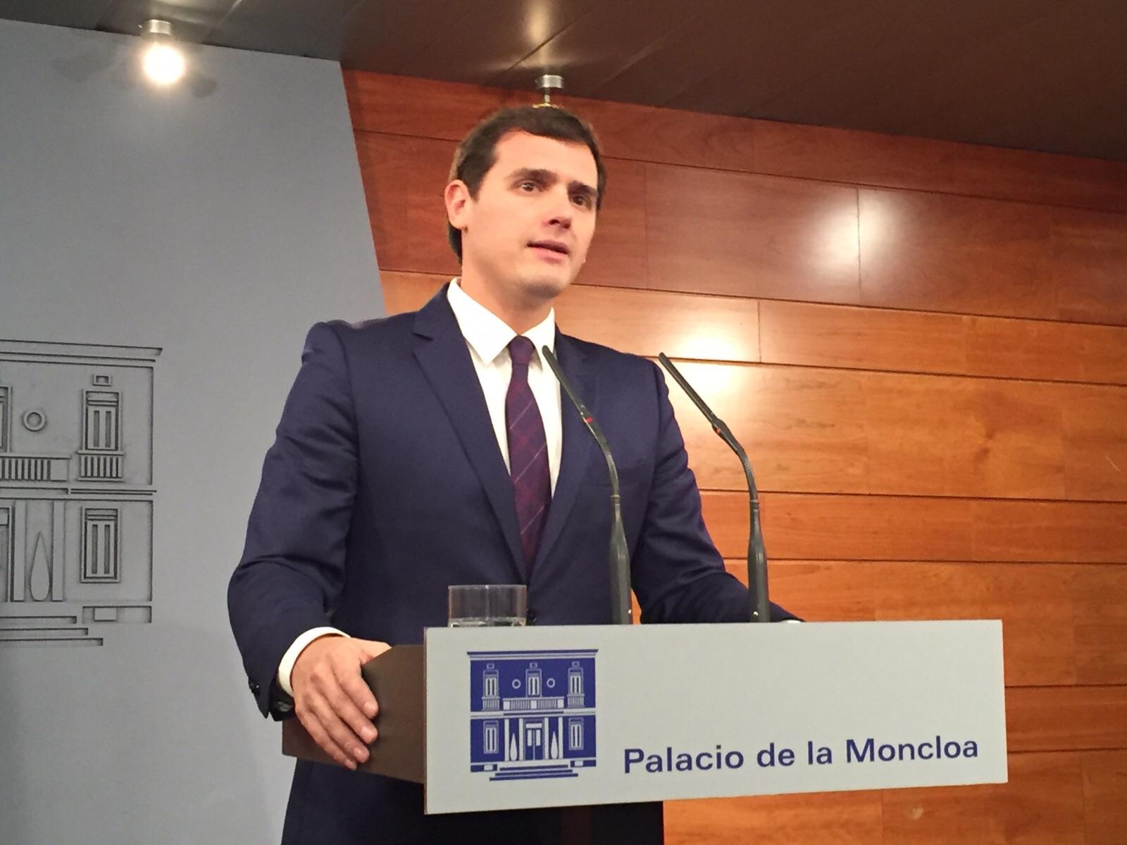 """Rivera: """" C's no apoyará la investidura de Rajoy pero hará una oposición útil y responsable"""""""
