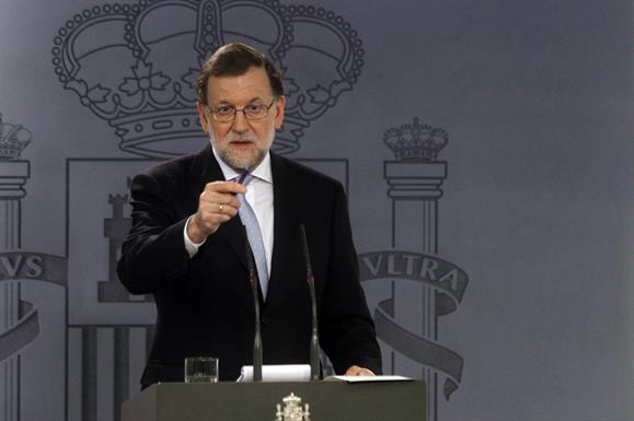 """Rajoy busca desesperadamente apoyo hasta ante """"el Lehendakari"""" vasco para su investidura"""