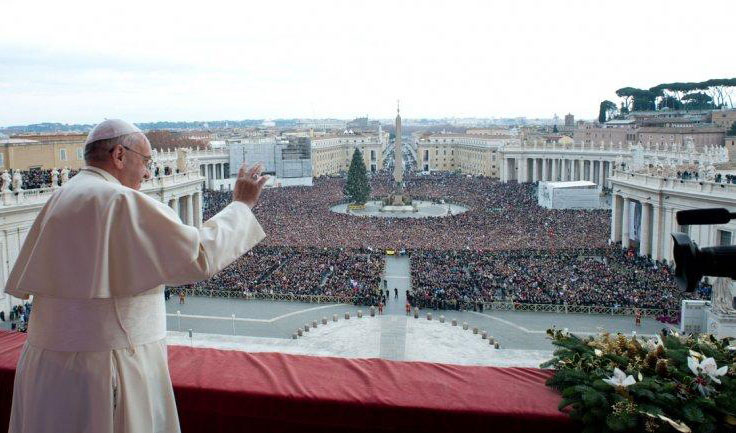 """Francisco: """"Donde nace Dios, nace la paz y no hay lugar para odio ni guerra; ¡Feliz Navidad!"""""""