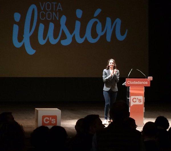 """Arrimadas recuerda que la alta participación """"no va bien al separatismo ni al bipartidismo"""""""