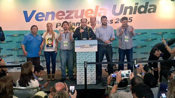 Contundente victoria ya oficial de la oposición en Venezuela con 99 de 167 diputados