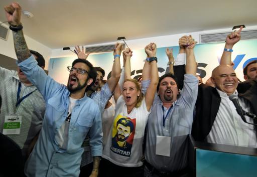 La oposición venezolana se alzó con el control del parlamento por primera vez en 16 años