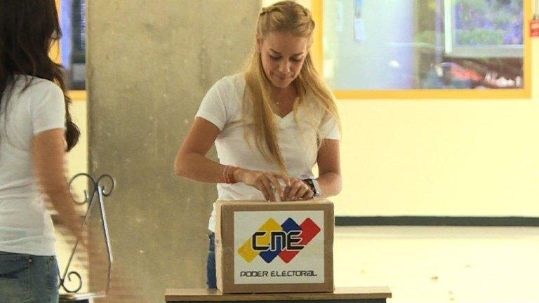Venezuela en Vivo: Oposición triunfa en elecciones legislativas. Participación 74, 25%