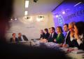 """Rajoy pide al PSOE """"responsabilidad"""" para que gobierne la lista más votada ante los suyos"""