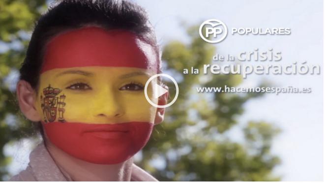 Imágenes de una propaganda del PP con una joven con cara pintada de colores de la bandera de España. Lasvocesdelpueblo