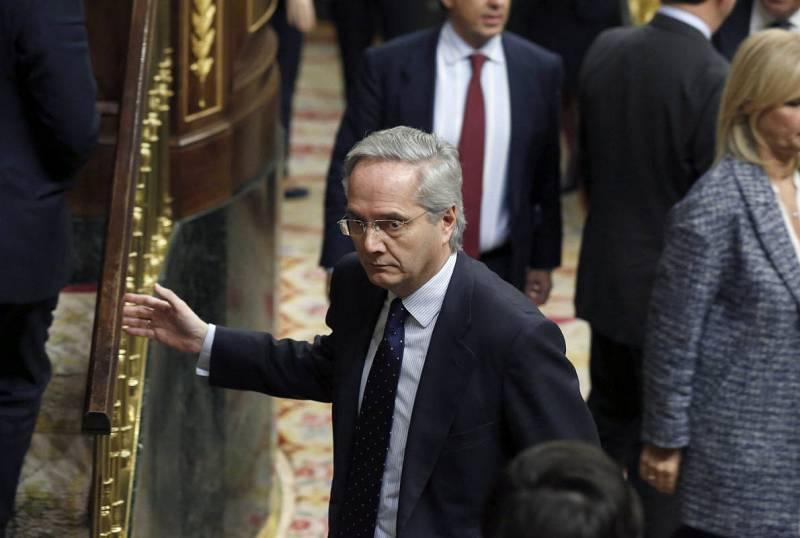 El diputado presunto delincuente del PP, Pedro Gómez de la Serna, se da de baja del PP