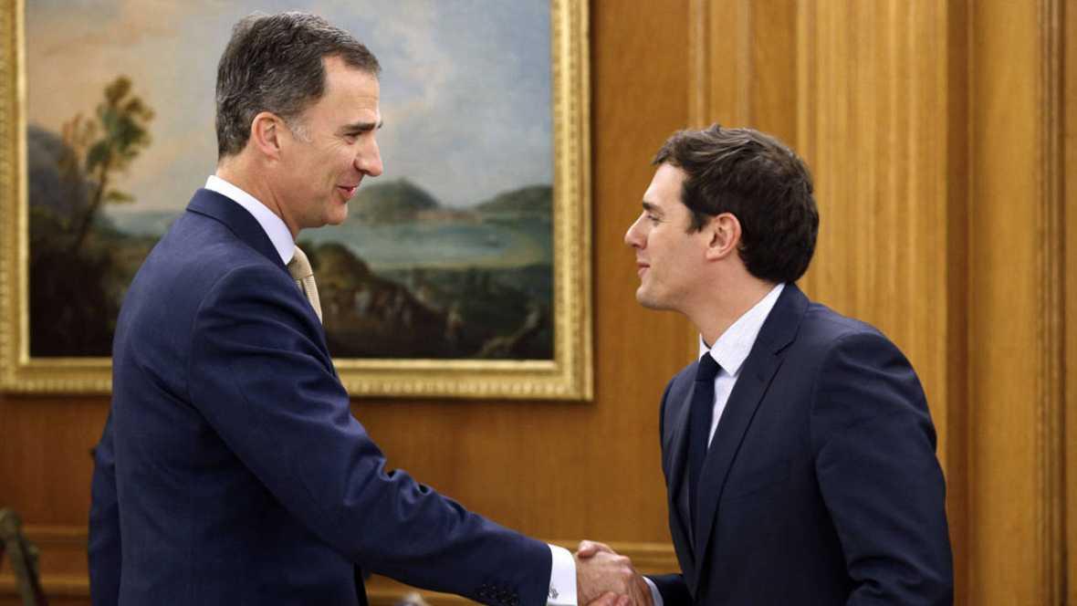 Felipe VI recibirá a los partidos políticos por orden de representación parlamentaria