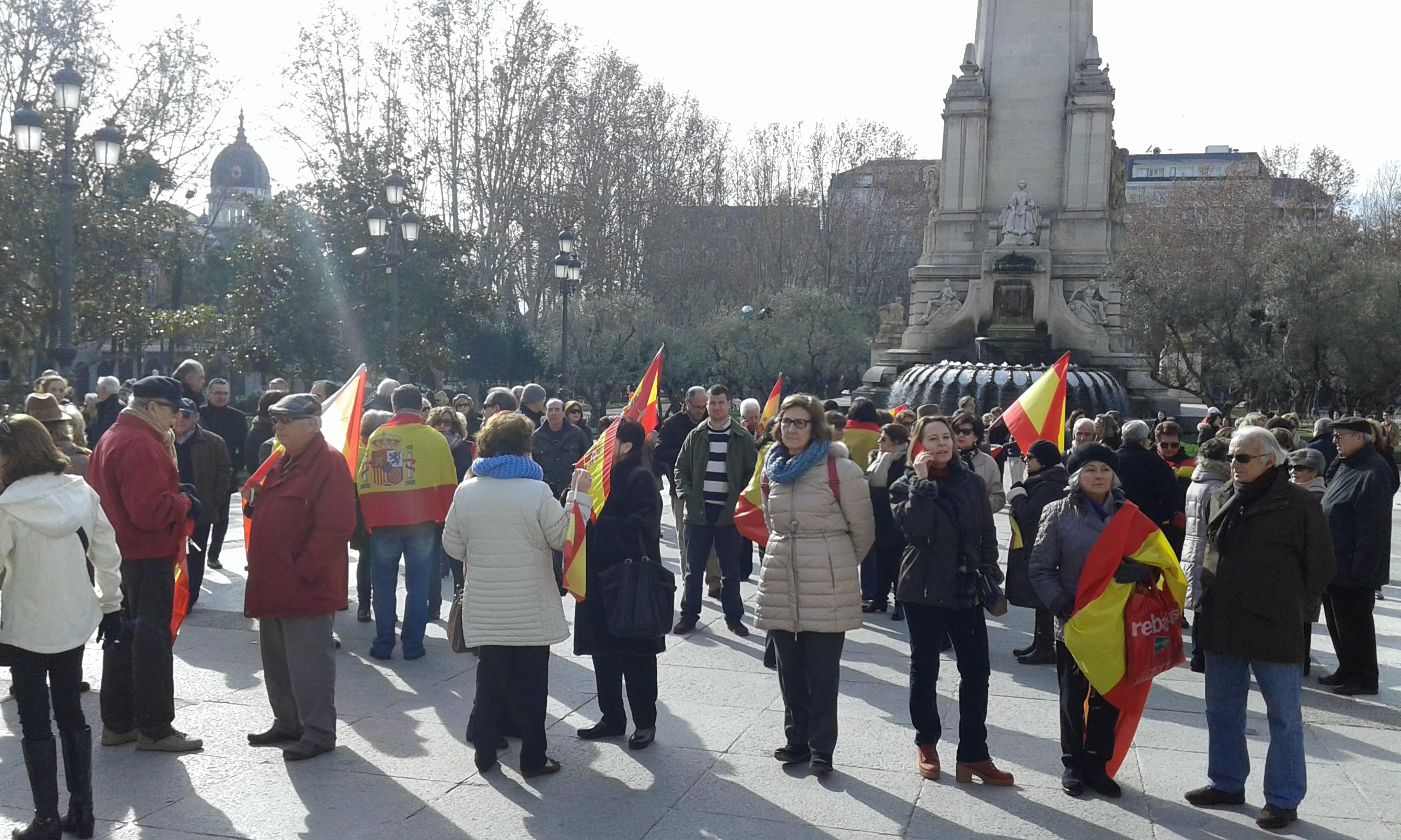 """""""Yo soy catalán, hace 2 semanas que estoy en Madrid; España no nos roba, 3% hace falta"""" a JxSí"""