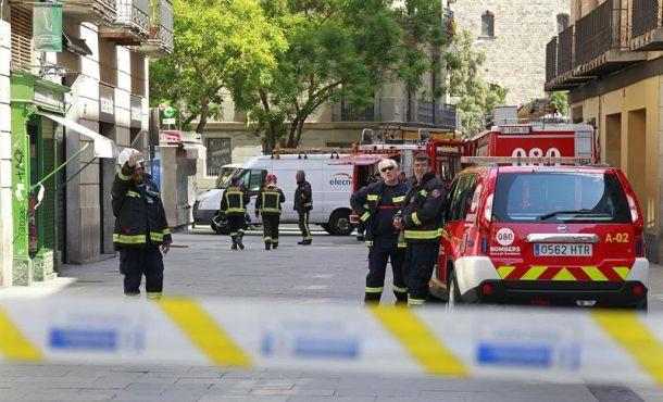 Un fallecido y varios heridos en un incendio en el barrio Can Olivella de Barcelona (Cataluña)