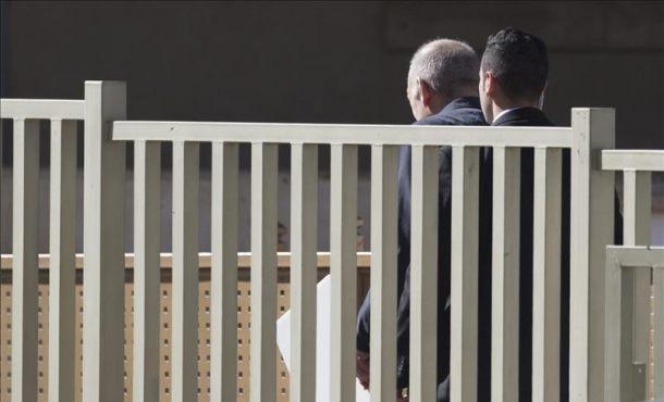 El ex-primer ministro de Israel Ehud Olmert ha ingresado en prisión por corrupción