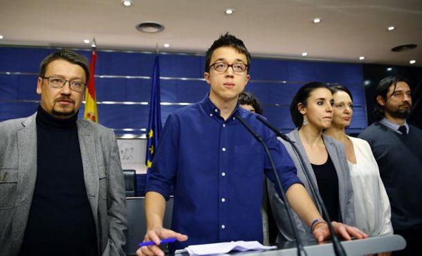 """Pablo Iglesias acusa al PSOE de no ser """"honesto"""" con Podemos : """"El pacto es continuidad del PP"""""""