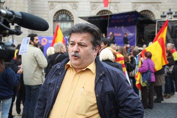 """MC España y Catalanes pide a Rajoy """"dejar de ir de espectador y a jueces su labor"""" en Cataluña"""