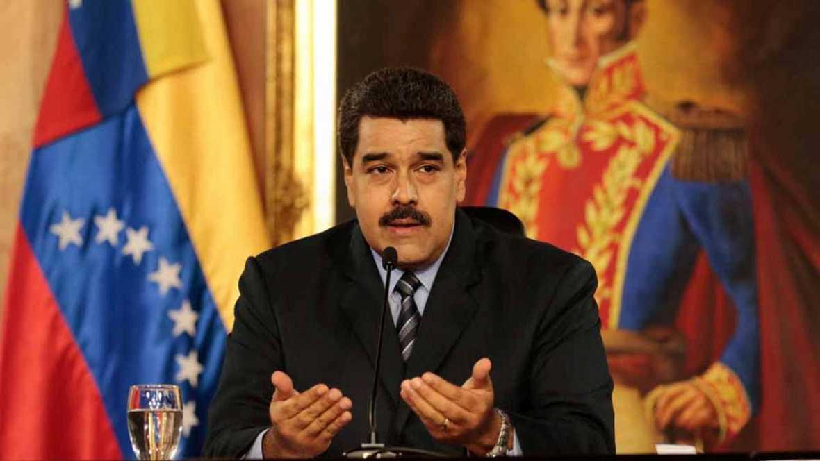Venezuela: Maduro sube por primera vez en 20 años el precio de la gasolina y devalúa el bolívar