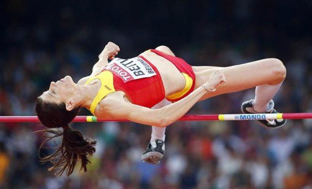 la española Ruth Beitia repite triunfo en Estocolmo con su mejor salto del año (1,95)
