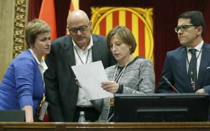 El Gobierno pide la inhabilitación de 3 diputados de JxSí, uno de Podemos y Carme Forcadell