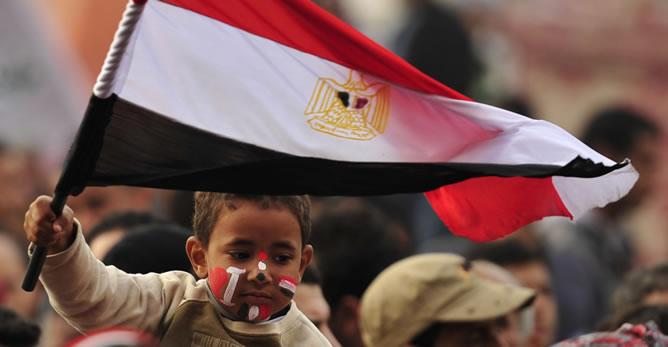 Egipto: Condenan a cadena perpetua a un niño de 3 años en un caso de identidad equivocada