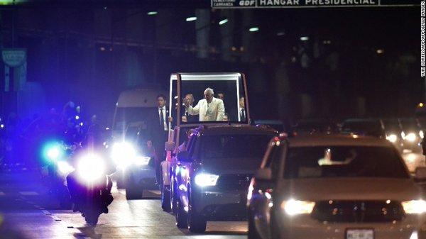 Vídeo de la llegada del papa Francisco a la Nunciatura Apostólica de México