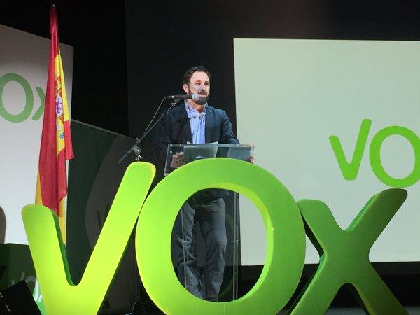 "En una Carta abierta Abascal tacha de ""miseria moral"" la actitud de Iglesias por ""alabar"" Otegi"