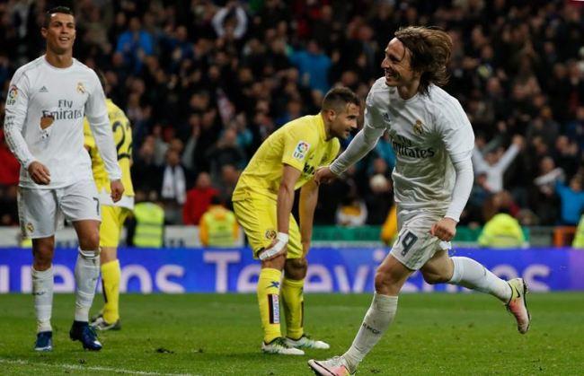 Madrid también golea: Modric mantiene en el pulso por la Liga a un Real Madrid lanzado (3-0)