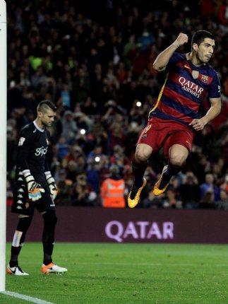 FC Barsa no bajar la guardia: Otra noche de Suárez que con otro póquer acerca al Barsa a la Liga
