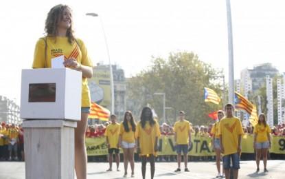 """""""Elratio de fracaso escolar decastellanohablantesduplica al de catalanohablantes en Catalñuña"""""""