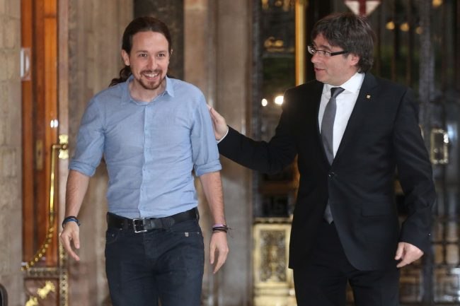 Iglesias se ofrece íntegro a Puigdemont quien le agradece por su compromiso con el separatismo