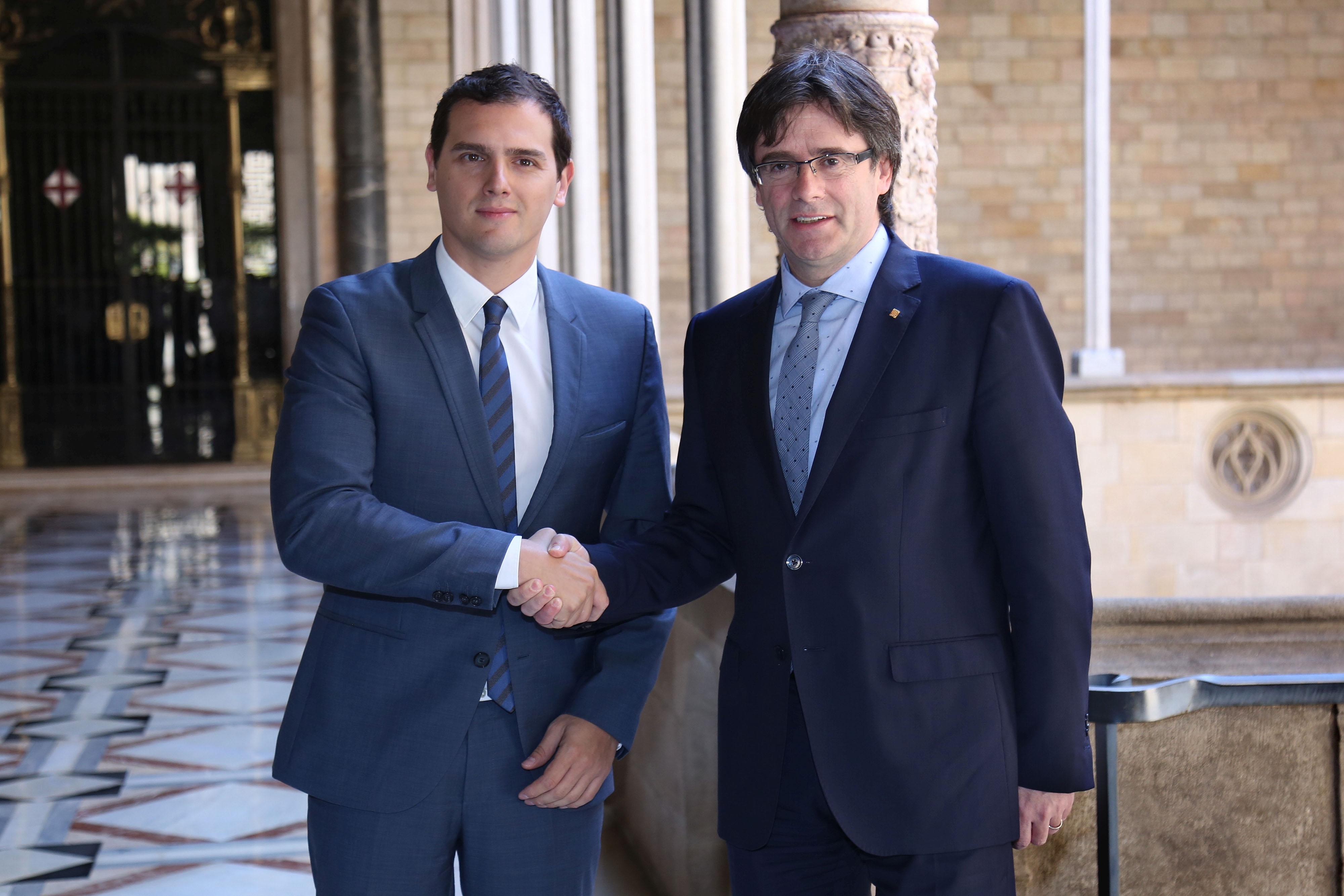 """Rivera a Puigdemont: """"No tape con"""" el separatismo """"los problemas reales de los catalanes"""""""