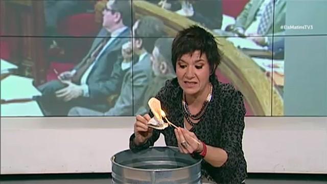TV3 quema la Constitución Española y se censura el vídeo pero hemos recuperado el vídeo