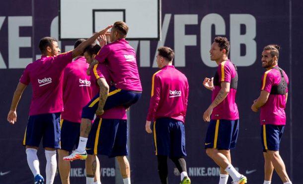 Liga: Arda Turan entra en la lista y Piqué, sancionado, será baja para La Coruña