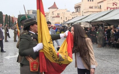 """Centenares de catalanes juran la Bandera de España cantando """"viva España"""" y """"muy orgullosos"""""""